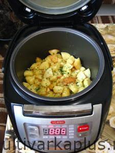 Жаренный картофель в мультиварке